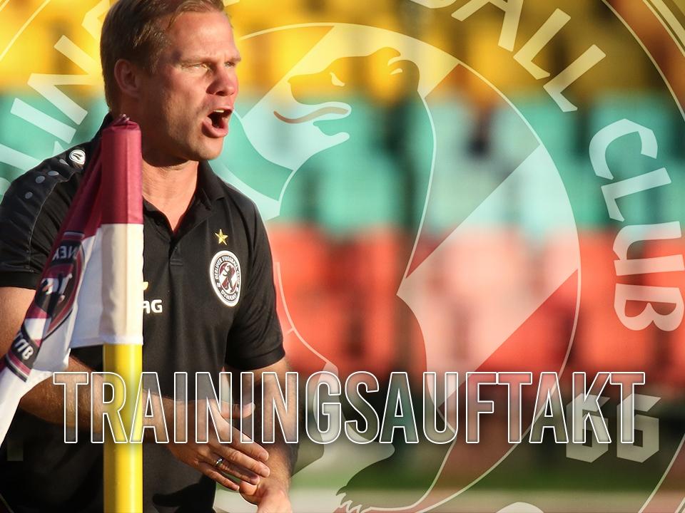 René Rydlewicz bittet zum 1. Training