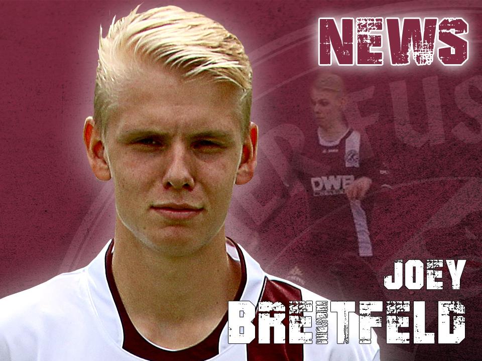Joey Breitfelt trägt auch in Zukunft das Trikot des BFC Dynamo...