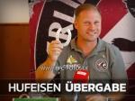 DFB-Pokal: BFC-TV übergibt Glücksbringer an René Rydlewicz